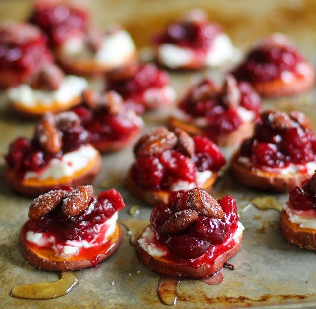 Sweet Potato Rounds with Roasted Cranberries and @almondbreeze almonds - a clean, healthy, and delicious appetizer!