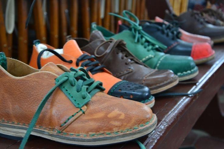 #tbt - Vibram University and #RhodeIslandSchoolOfDesign.First collaboration in San Miniato (Pisa) at Consorzio Vera Pelle Italiana Conciata al Vegetale.12 students working on shoe making with leather and Vibram rubber soles. @risd1877