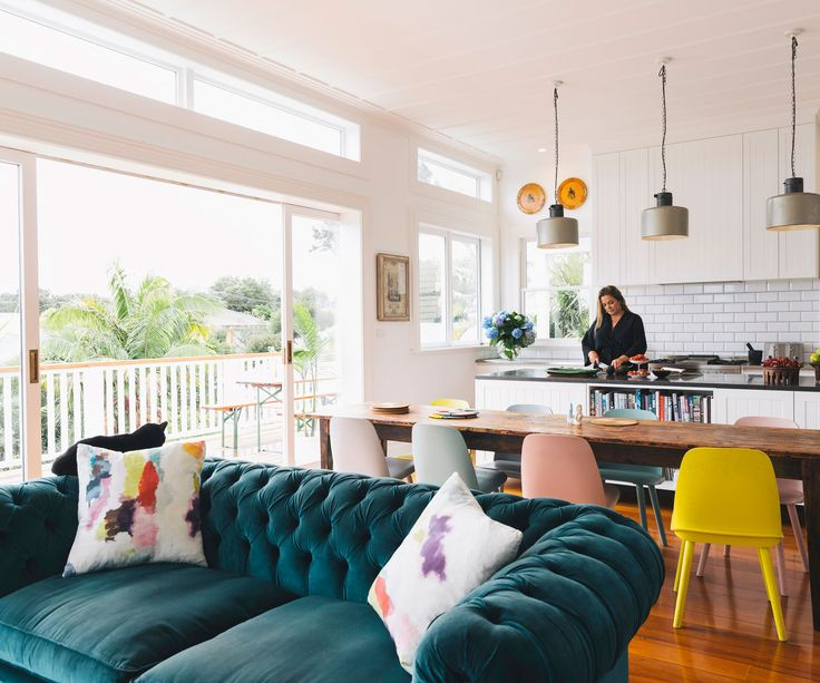 See inside the chic, modern Auckland villa of Sido Kitchin, editor-in-chief of Woman's Day and New Zealand Woman's Weekly