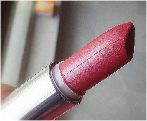 Maybelline is among the best brands for lipstick. Here is my list of the best maybelline lipstick shades ever!