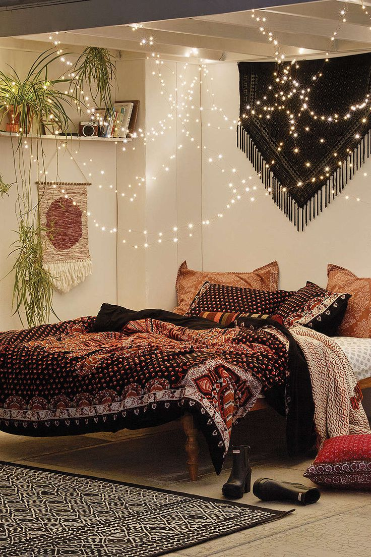 Love the Boho Duvet AND the string lights. Cozy & romantic