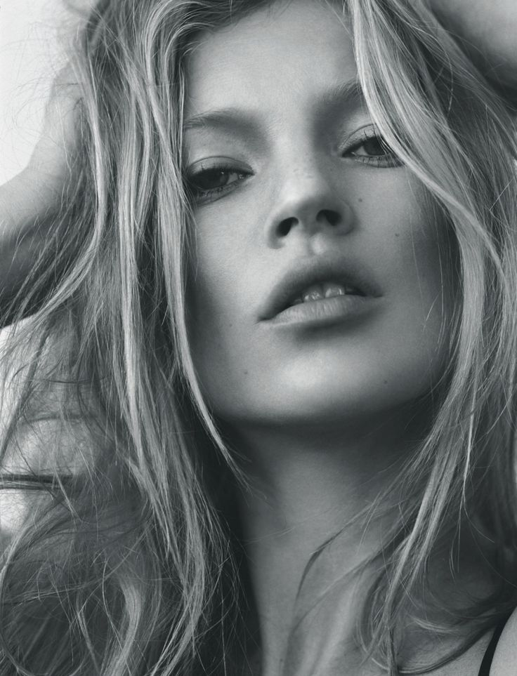 i-D-Magazine-Editorial-Fall-2005-Kate-Moss-by-065315