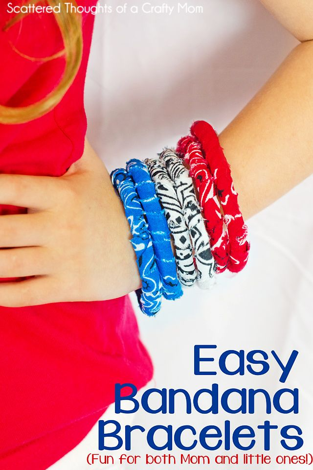 How to make these easy no sew fabric bracelets! #crafts #nosew