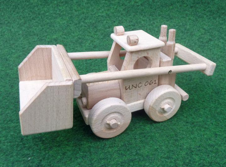 Zemědělské nakladače UNC hračky. Gravírování vypalování textů, jmén dětí…