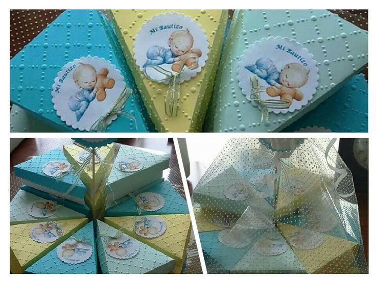 Torta de cajas con diseño Scrapbook.