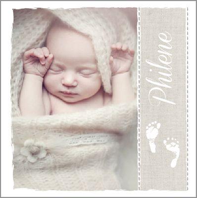Geboortekaartje Philene Marie www.hetuilennestje.nl. Stoer, modern, lief, babyfoto/ foto, babyvoetjes, tape, stempel, creme/ taupe, vlindertje, bruin, wit, jongen/ meisje.