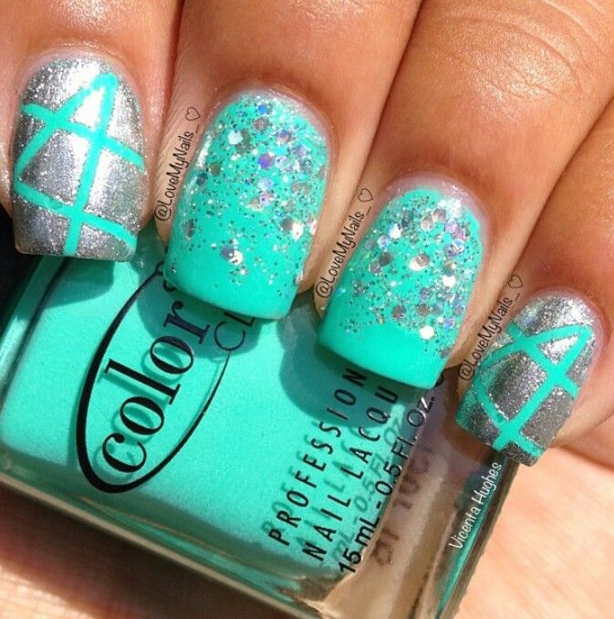 Aqua Nail Art: Turquoise And Silver