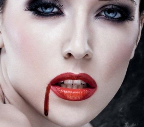 Vampirgesicht Schminken 29 Einmalige Ideen Archzine Net Vampirgesicht Schminken Vampir Schminken Vampir Schminken Frau