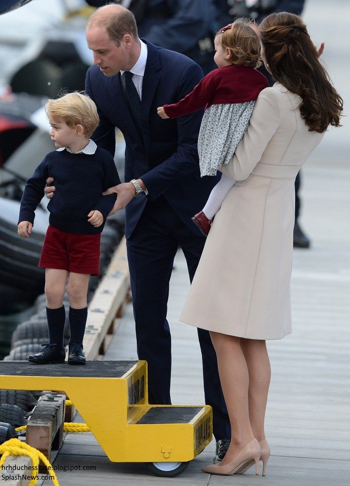 Prince William, Duke of Cambridge, Prince George of Cambridge, Catherine, Duchess of Cambridge and Princess Charlotte wave as they leave from Victoria Harbour to board a sea-plane on the final day of their Royal Tour of Canada on October 1, 2016 in Victoria, Canada.