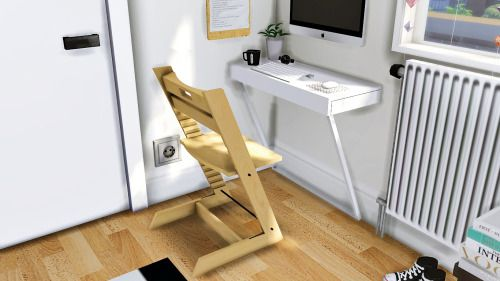 MXIMS IKEA Ludvig Wall Mounted Desk Tripp Trapp Chair