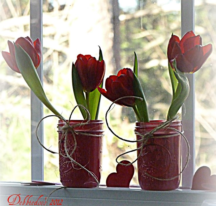 spray painted mason jars {valentine's decorating ideas} - Debbiedoo's | Debbiedoo's