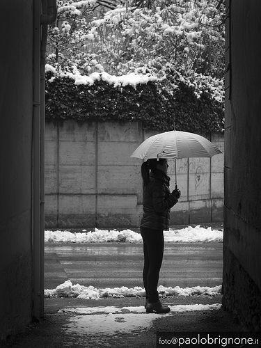 #snow #girl #borgosesia #Street #umbrella #piedmont #italy