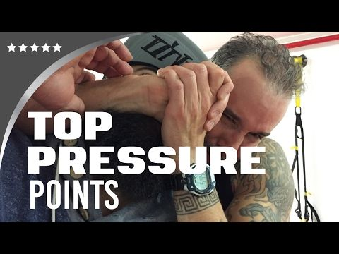 3 TOP PRESSURE POINTS IN A STREET FIGHT - YouTube