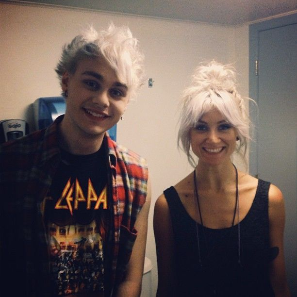 Michael Clifford & Louise Teasdale - blonde>>>> this is one of my favourite pics of michael. Love his smile