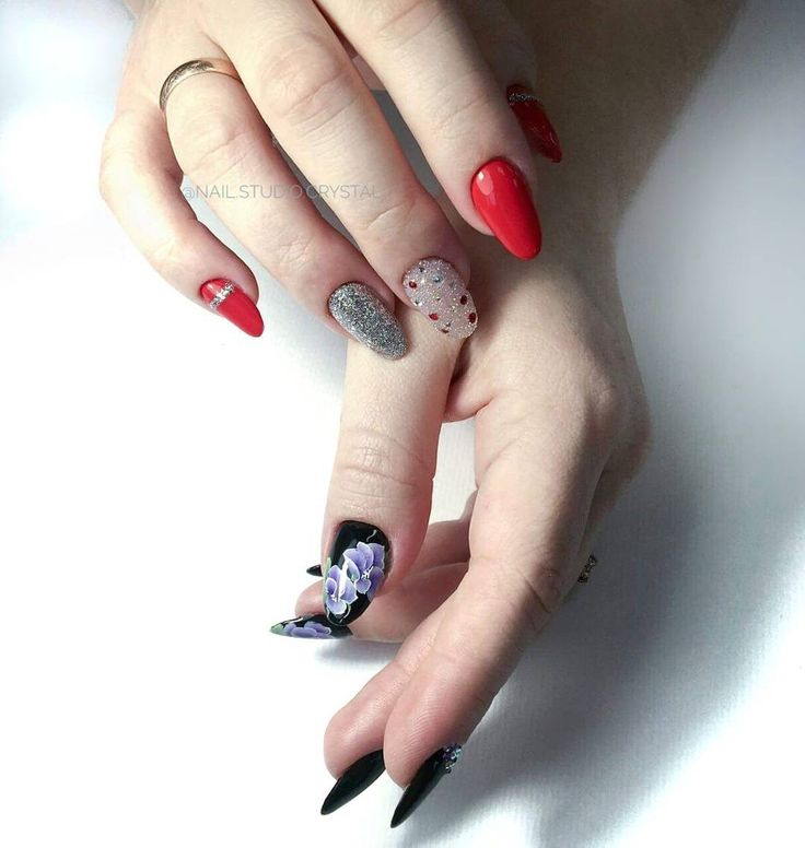 Hybryda 99397 - https://ysbeauty.pl/gel-polish-99397 Hybryda 99295 - https://ysbeauty.pl/gel-polish-99295 Zdobienia wykonane ręcznie Żel paintami Le Vole  Wyk. @nail.studio.crystal #LeVole #beautyservicepl #paznokciezelowe #paznokcie #ysbeauty #paznokcie #hybrydalevole