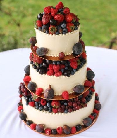 Quinceanera cake with strawberries