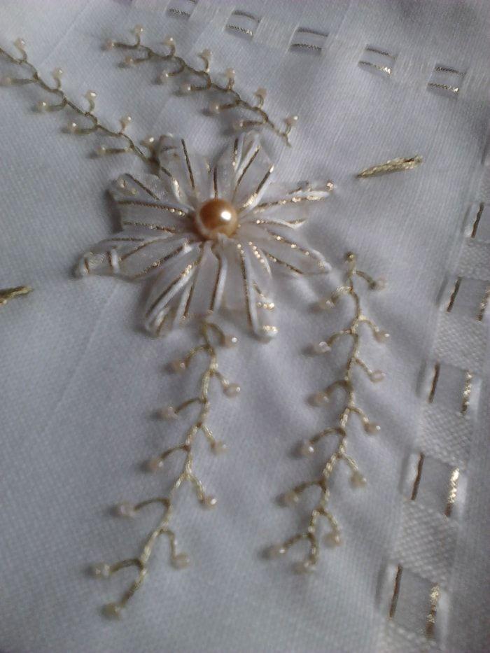 Servilletas bordadas en liston para boda - Imagui