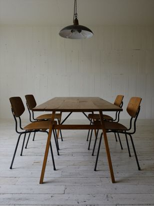 TRUCK 177. SUTTO DINING CHAIR / WOOD SEAT