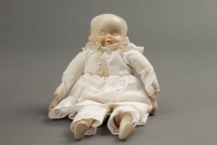 Kleine Puppe, Bisquitporzellan, wohl deutsch, 20. Jahrhundert