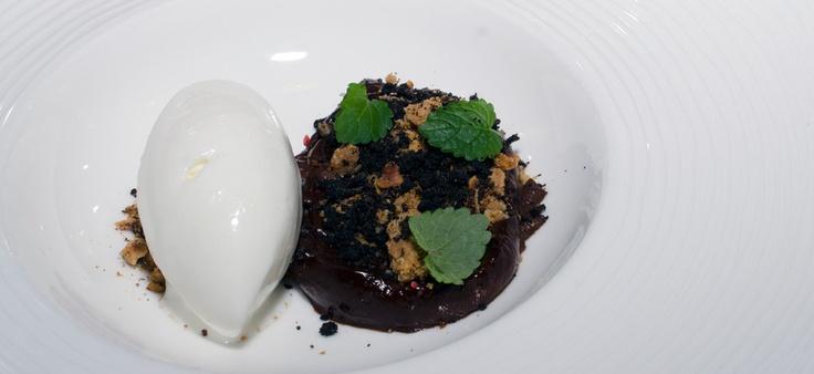 Chokolade og ymersorbet på Nordisk Spisehus