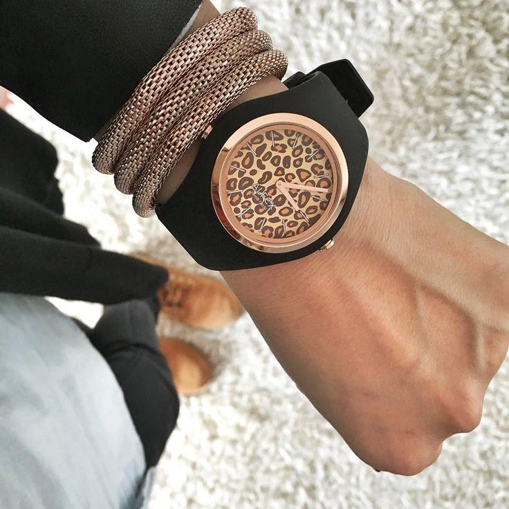 IKON black leopard: the roaring design #alfex #design #ikon #swissmade #animalier #fashion  #fashionblogger #watch #outfit #accessories