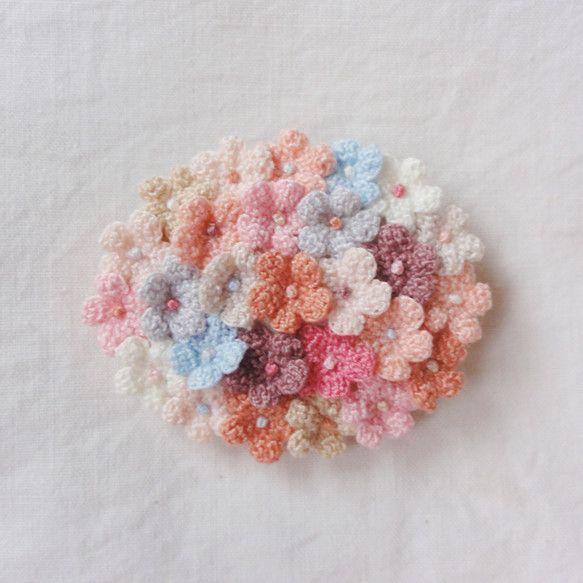 ブローチ 小花の花束 / だ円型 /「淡い記憶」