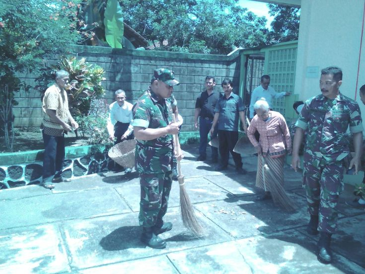 Cilacap,nusantarapos,- Tidak hanya masjid saja, Para personil TNI dari Koramil 18/Cilacap Utara, Kodim 0703/Cilacap dengan