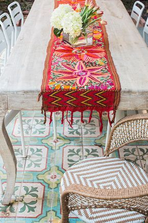 love this table runner