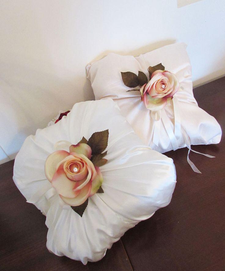 Cuscini con rose www.artemiamondocreativo.altervista.org