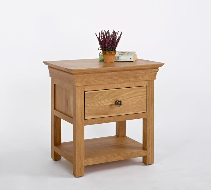 Bordeaux Oak 1 Drawer Bedside Bordeaux Oak is a French style range crafted from carefully chosen solid oak, with elegant detailing investing each piece with a sophisticated elegance. With a stylish metal handles accentuating each  http://www.MightGet.com/january-2017-13/bordeaux-oak-1-drawer-bedside.asp