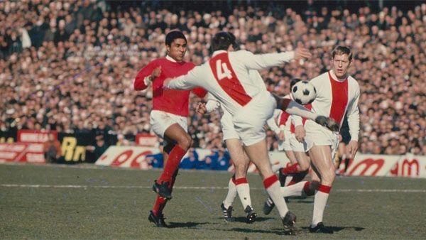 Het geheugen van Ajax: Benfica-trilogie (1968/69) - Ajax.nl - uit de tijd dat ik voetbal nog echt leuk vond ☼