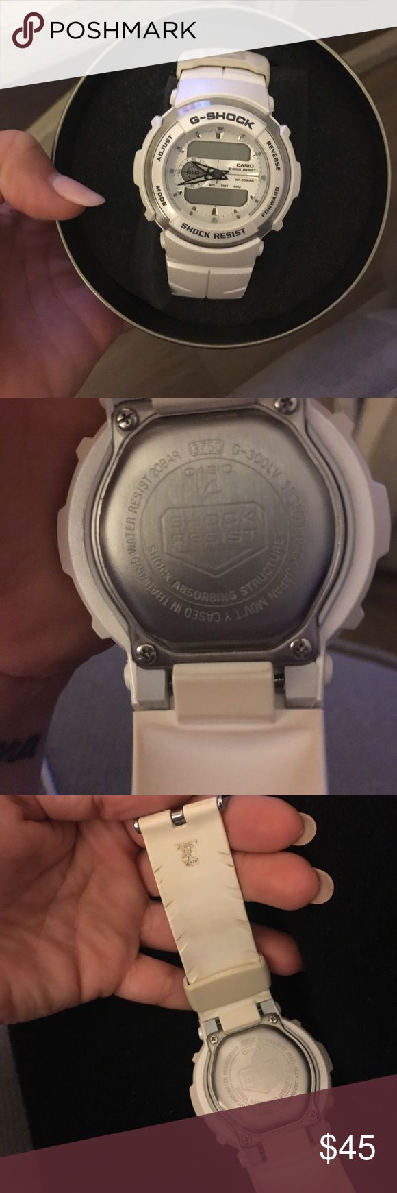 G-shock white and silver watch. G-shock white and silver watch. Battery is dead G-Shock Other