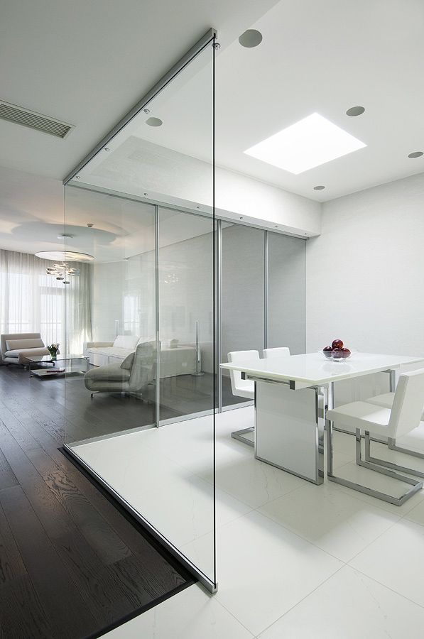 White Glass Floor Tiles | ... open plan with retractable glass walls and large white floor tiles