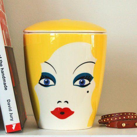 honey storage jar with rubber sealed lid