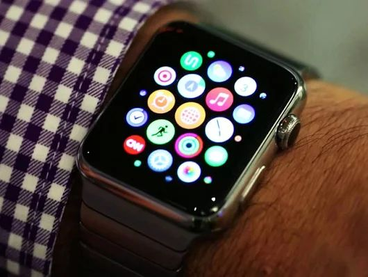 Apple Watch mania continues as reviews roll in - CNET