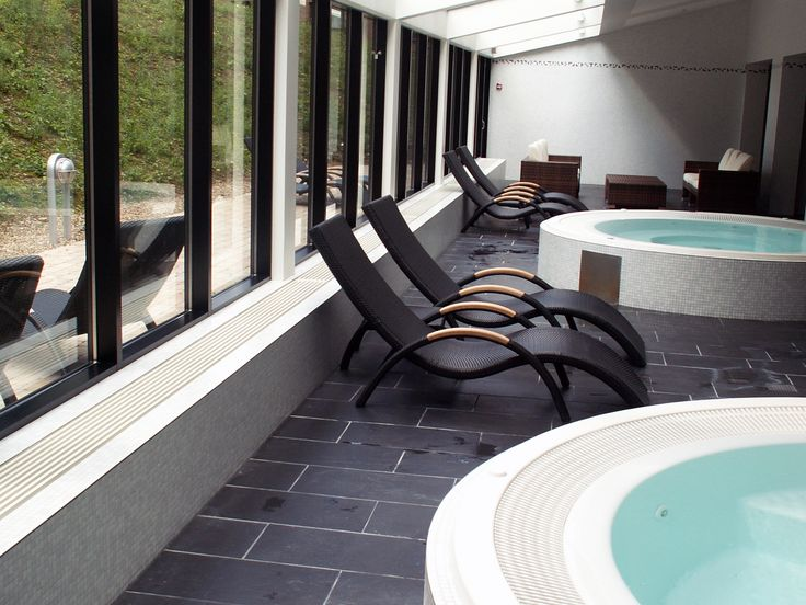 Our ProLine Convection Grilles are integrated by the pool area at @Munkebjerghotel in Vejle. The Grilles are produced with a convector section of 3 to 14 water filled ribs and 1 or 2 side grilles. This design makes it possible to plan the solution in accordance with the output required #heating #radiators #heatingsolutions #proline #architecture #pool