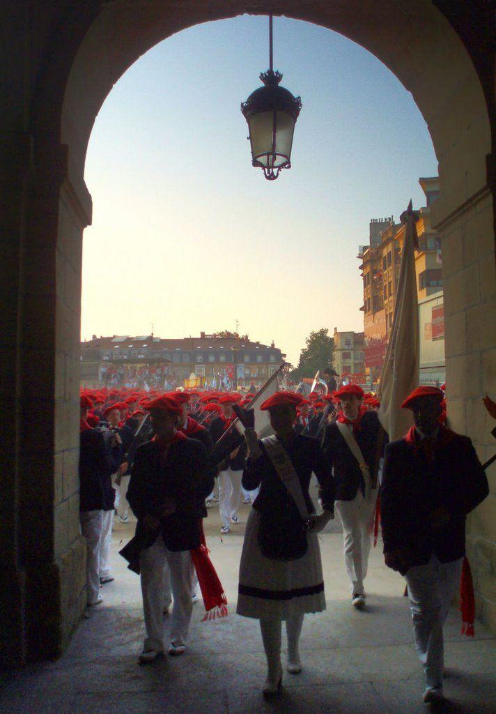 Arkupes del ayuntamiento. La entrega de la bandera de Irun,  Euskadi  Spain