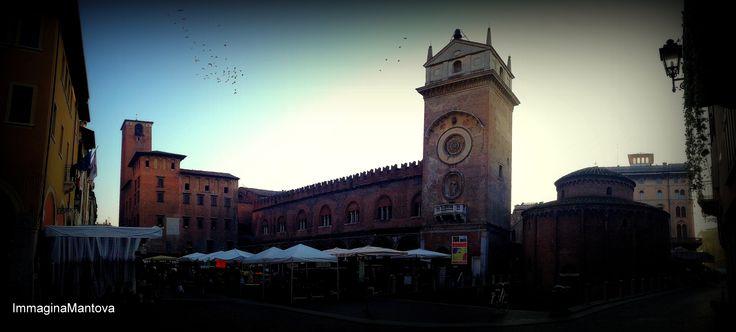 Mantova, piazza delle Erbe