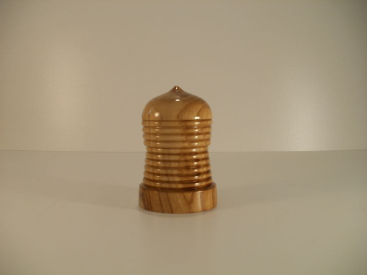Mulberry lidded box by Ervin Horn