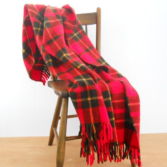 Vintage Plaid Blend Blanket  Faribo Red Plaid by lisabretrostyle2