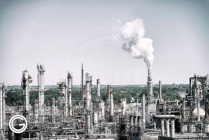 Pollution produced by a power plant in North America. Electricity is crucial today but producing it on a large scale without polluting is not easy. Green energies work on small scale but they still can not replace oil -  Orestegaspari.com - #environment #refinery #energy #pollution #industry #fuel #naturalgas #petroleum #tower #smoke #smog #steam #technology #pipe #production #grinder #condensation
