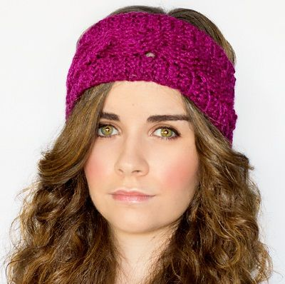 Cabled Earwarmer, de Olivia Kent. http://www.ravelry.com/patterns/library/cabled-earwarmer-3