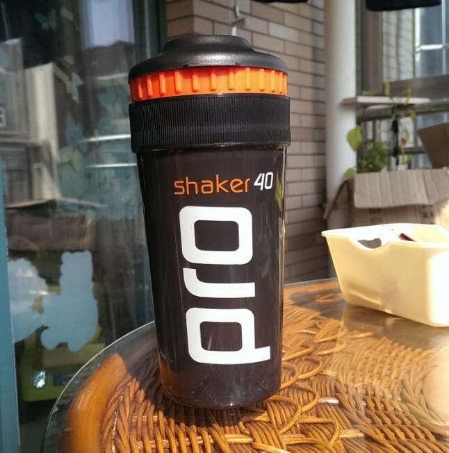 Shaker Pro 40 Whey Protein Sports nutrition blender mixer cup fitness gym Shaker For Protein Powder my water bottle 700 ml