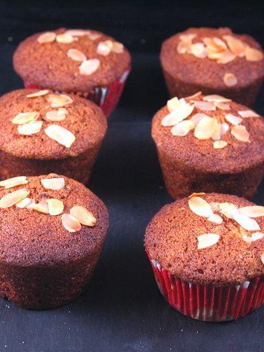 Muffins poires pépites de chocolat de Nadine : Recette de Muffins poires pépites de chocolat de Nadine - Marmiton