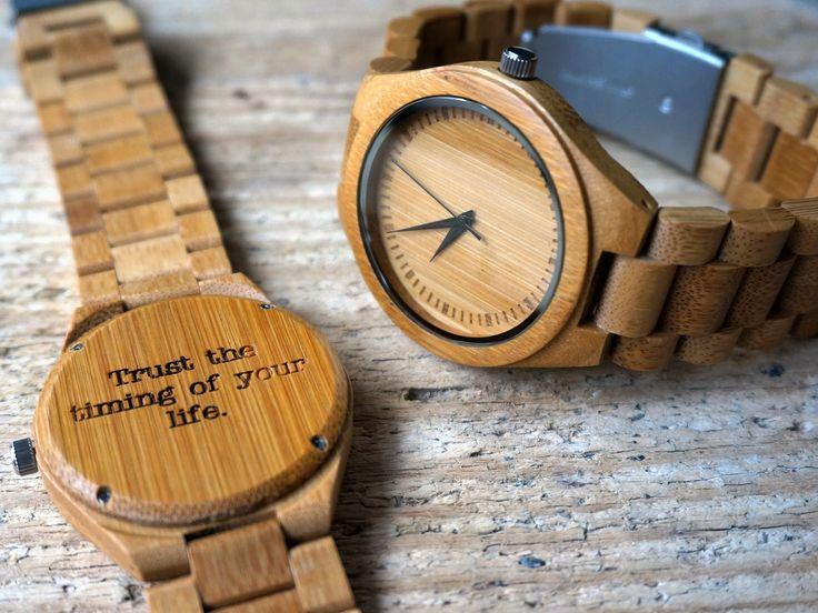 Bamboe houten horloge - gegraveerd met persoonlijke tekst.