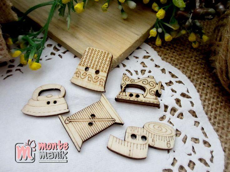 http://montemanik.com/product/kancing-kayu-peralatan-jahit-kkn-052/ Kancing Kayu Peralatan Jahit Diameter campur ,kurang lebih 1,5 cm x 2 cm Warna natural kayu Harga / 5 buah kancing  bahan kerajinan tangan, kancing hias, kancing kayu, kancing lucu, monte manik -  - #BahanKerajinanTangan, #KancingHias, #KancingKayu, #KancingLucu, #MonteManik -