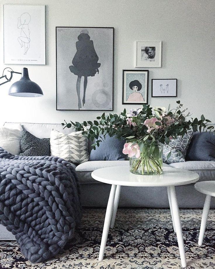 Via Creamandnavy More Blue Grey BedroomsGray BedroomCasual DecorGrey PaletteBedroom CornerBlue AccentsNordic Living RoomLiving