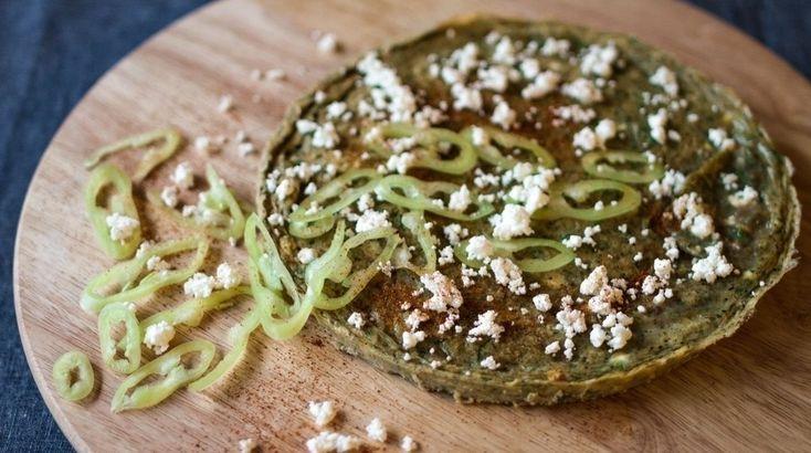 Η Ιταλική εκδοχή της ομέλετας λέγεται φριτάτα! Και είναι το ιδανικό πιάτο για ένα Κυριακάτικο υγιεινό και χορταστικό πρωινό!   Παίρνουμε τα κολοκυθάκια, τα πλένουμε, καθαρίζ...