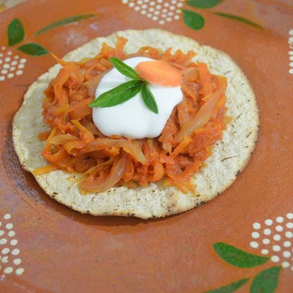 Aprende a preparar tinga vegetariana de zanahoria con esta rica y fácil receta.  Anímate a probar ésta práctica receta de tinga vegetariana y comprobarás que no...