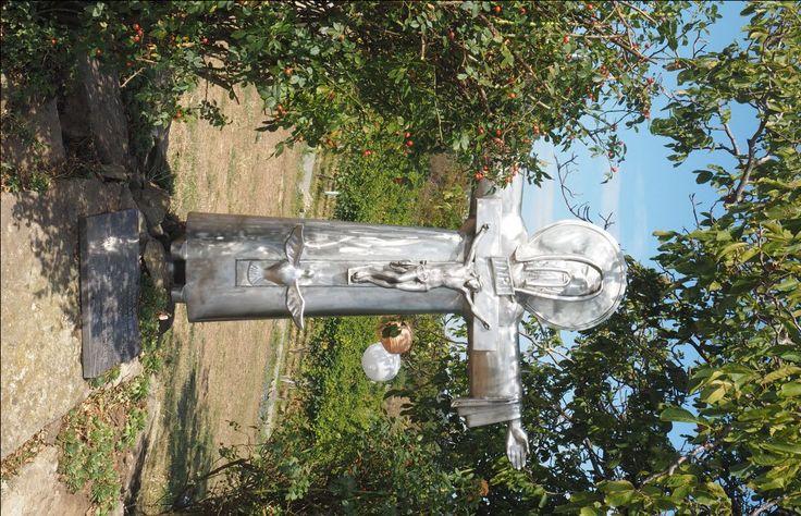 Kruzifix im Hillinger Weingut.